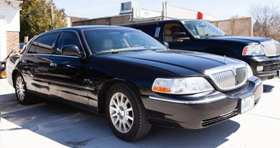 Lincoln Town Car Sedan Black Tie Executive Limo